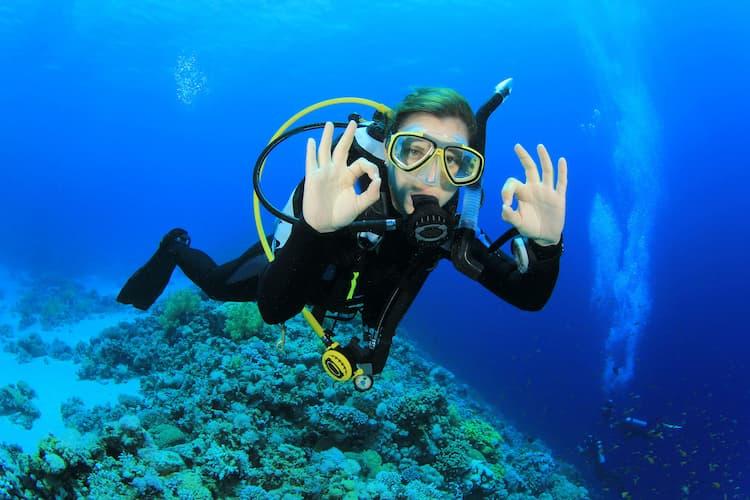 scuba-diving-reef-adventure